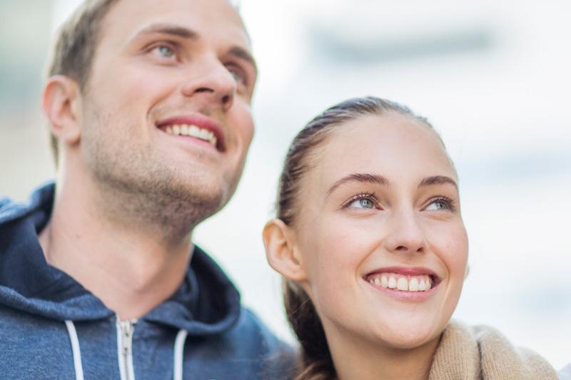 Punoittavat ja kirvelevät silmät? Näin hoidat silmien kuivuutta helposti