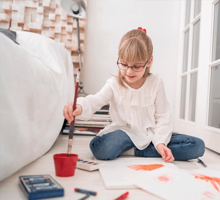Lasten näkö heikkenee – uudenlaista apua saatavilla